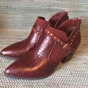 New Bella Vita Shorty Croc Embossed Boots